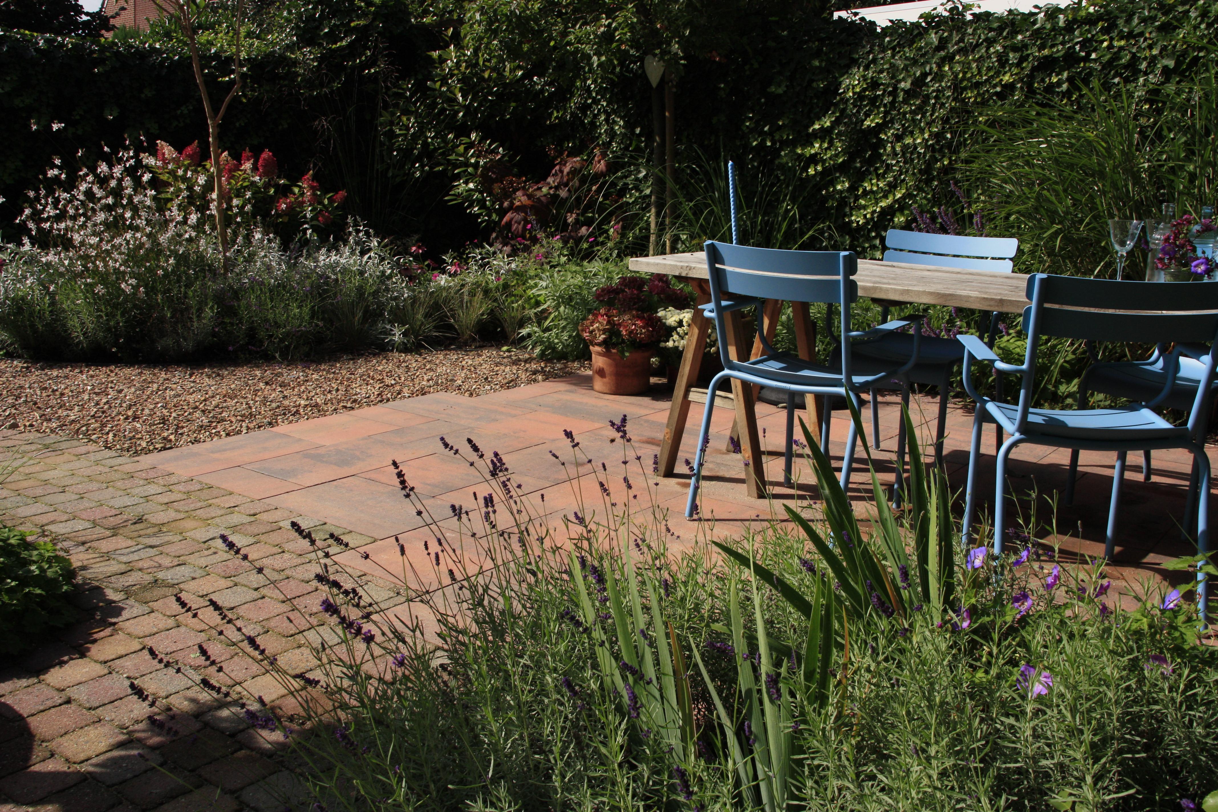 Rode Tegels Tuin.Mediterrane Tuinen Tuinontwerpbureau Ineke Brunekreeft